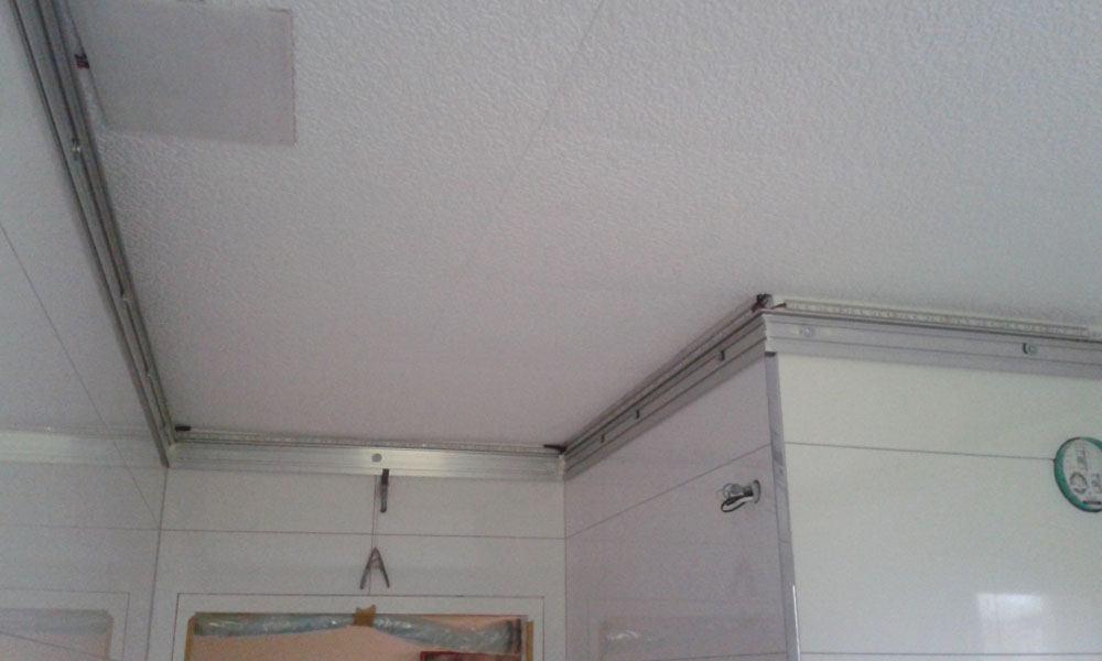 Rénovation d\'un plafond lumineux dans une salle de bain à Brumath